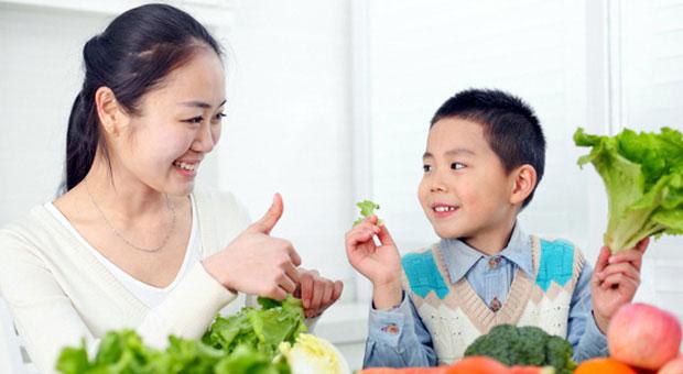 Khen Ngợi Con Cái Và Những Điều Cha Mẹ Cần Biết - Cẩm Nang Cho Mẹ và Bé
